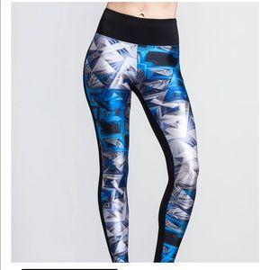 Like New Koral Emulate Legging
